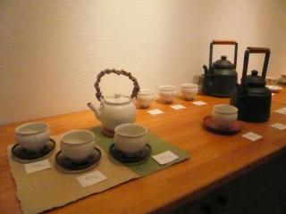 鈴木環さんの直火にかけられる陶製やかん